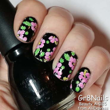 Hawaiian Shirt nail art by Gr8Nails