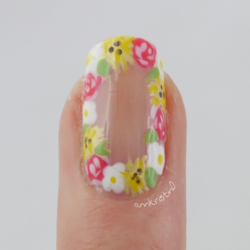 Flower Crown Accent Nail nail art by Ann-Kristin