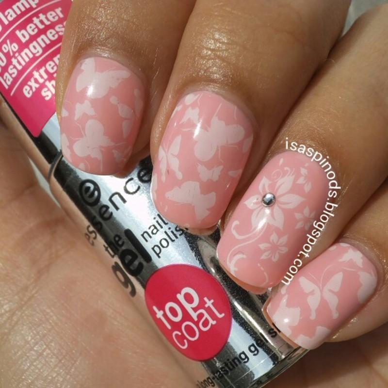 #Reto31Dias2015 Día 15 - Delicado - Mariposas nail art by Isabel