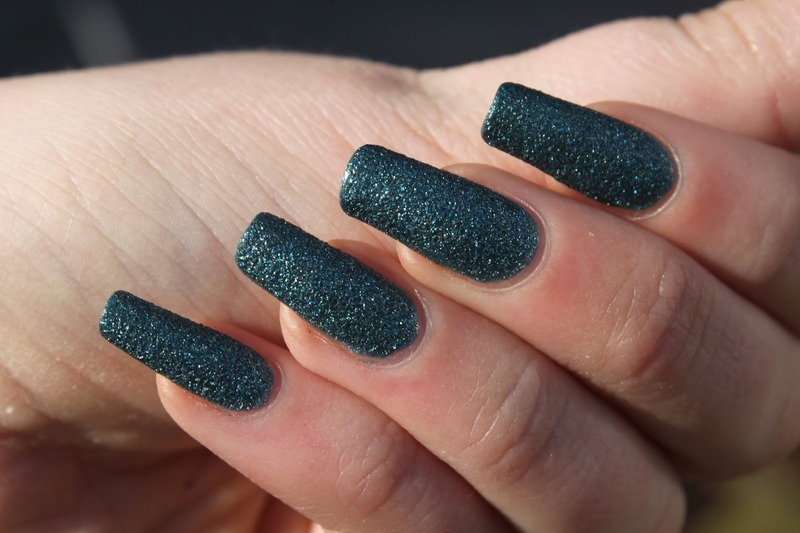 Nicole by OPI That's What I Mint Swatch by Elizabeth Hemingway