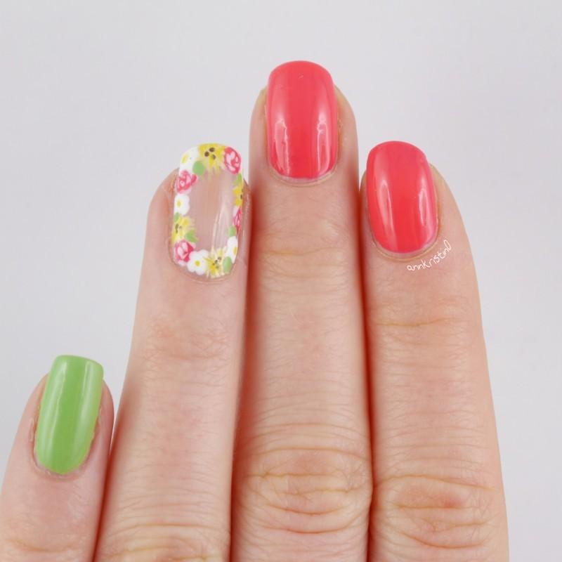 Flower Crown Nails nail art by Ann-Kristin