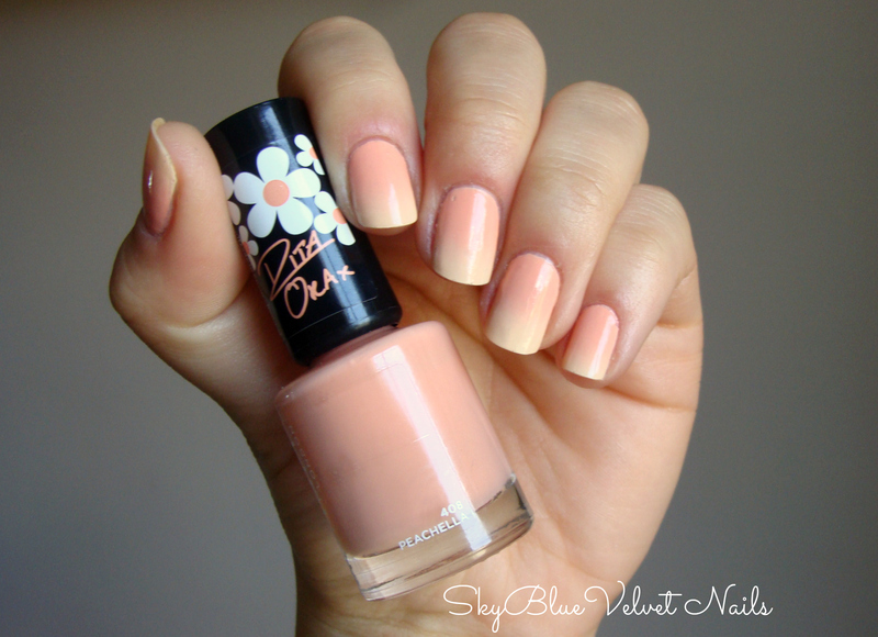 Peach gradient nail art by Sky Blue Velvet Nails