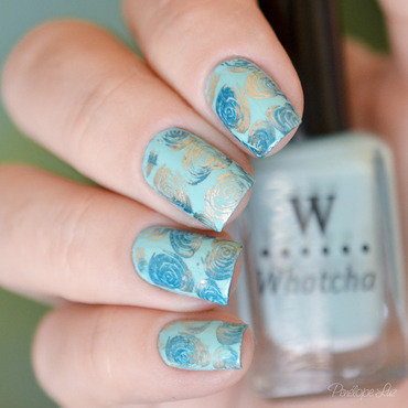 Stamping Nails Teal and Gold nail art by Penélope Luz