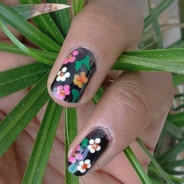 Flower  nail art by nail nakshi