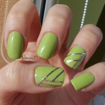Sally Hansen Xtreme Wear Green with Envy Swatch by JoanneD