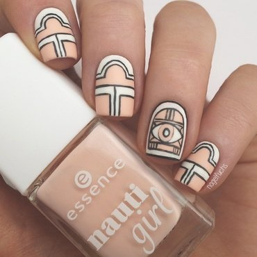 Matte Geometrical Nailart nail art by nagelfuchs