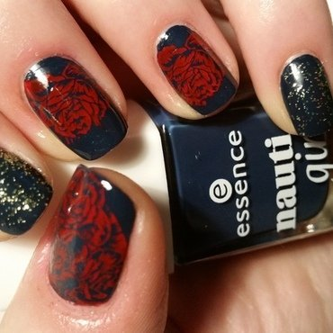 red pueen roses nail art by redteufelchen86