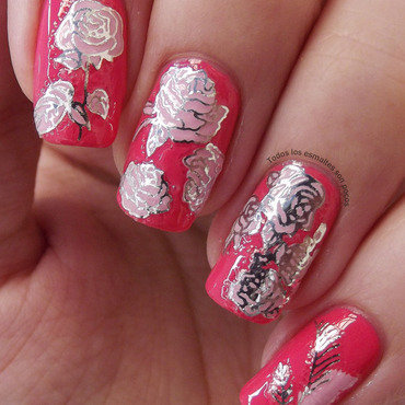 Silver flowers  nail art by Maria