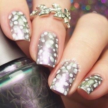'Dotticure' nail art by Lou