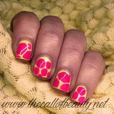 Blobbicure nail art by The Call of Beauty