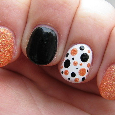 Orange dots nail art by Nail Crazinesss