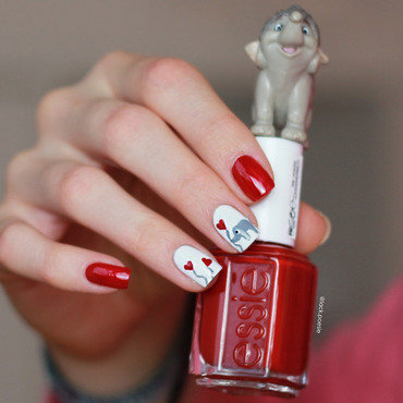 Little elephant nail art by lack.poesie (Sarah)