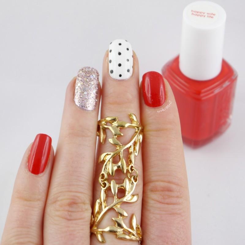 Red Love Dotticure nail art by Ann-Kristin