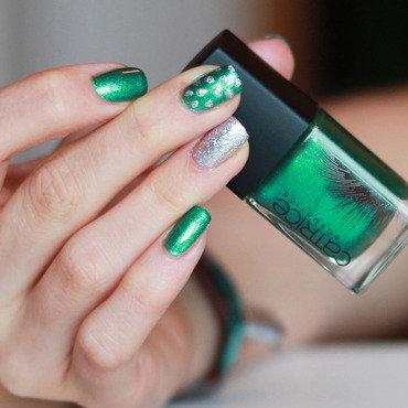 Glitter Dots nail art by lack.poesie (Sarah)