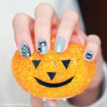Spider-Halloween-Nails nail art by lack.poesie (Sarah)