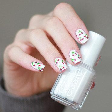 Cherry, cherry Lady.. nail art by lack.poesie (Sarah)