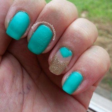 Single Chevron Negative Space nail art by Kelsey