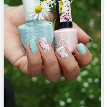 Mint&pink nail art by Cranberry Fairy