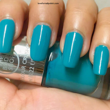The Body Shop Minty Amour Swatch by Demi