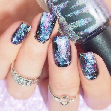 'Galaxy' nails nail art by Lou