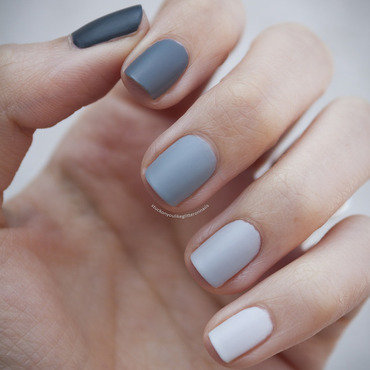 Grey Ombre nail art by Jule