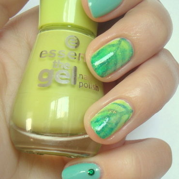 Leaves nail art by Kasia
