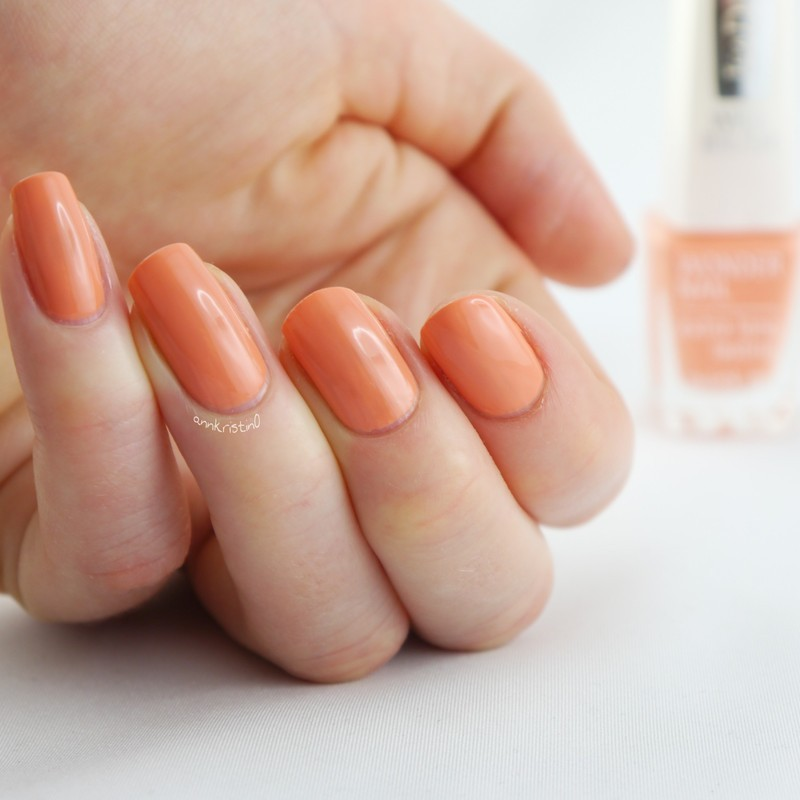 Isadora Peach Club Swatch by Ann-Kristin