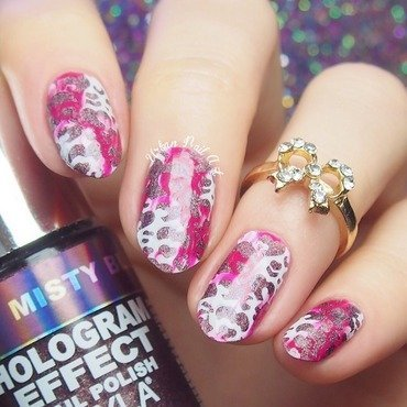 Nail Kit#6 in action nail art by Lou