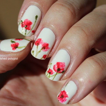 Freehand poppy flowers nail art by Polished Polyglot