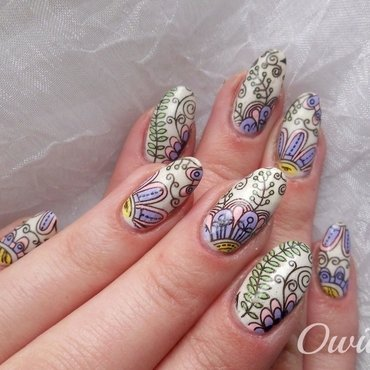 Sweet stamping flowers. nail art by Owidia