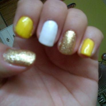 Sol Brillante  nail art by Andreea