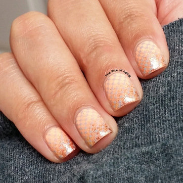 Peach Glitter Gradient nail art by Monica