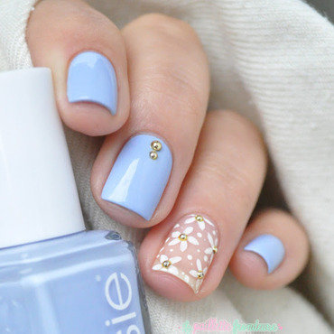 Essie 20summer 202015 20salt 20water 20happy 20daisies 20paillette 209 thumb370f