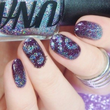 Sparkly Paisley Cyclone Manicure nail art by Lou