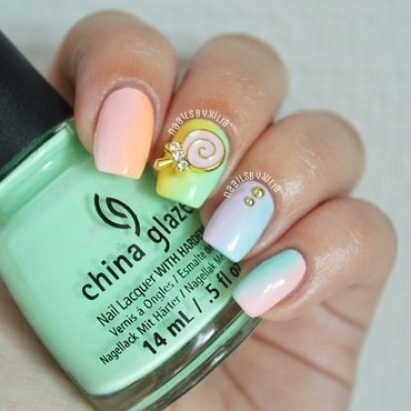 Pastel gradient nail art by Julia