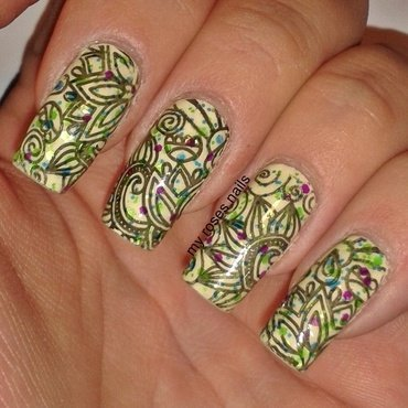Mehndi on vanilla nail art by Ewa
