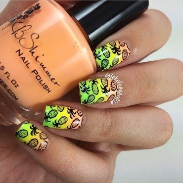 Pineapple smoothie 🍍 nail art by Jesmary