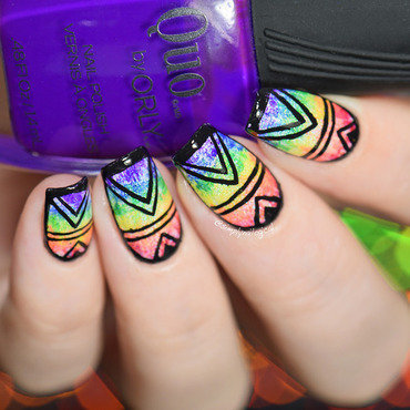 Rainbow dry-brush design nail art by simplynailogical