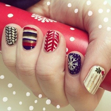 Ugly Christmas Sweater Nails nail art by emlocke