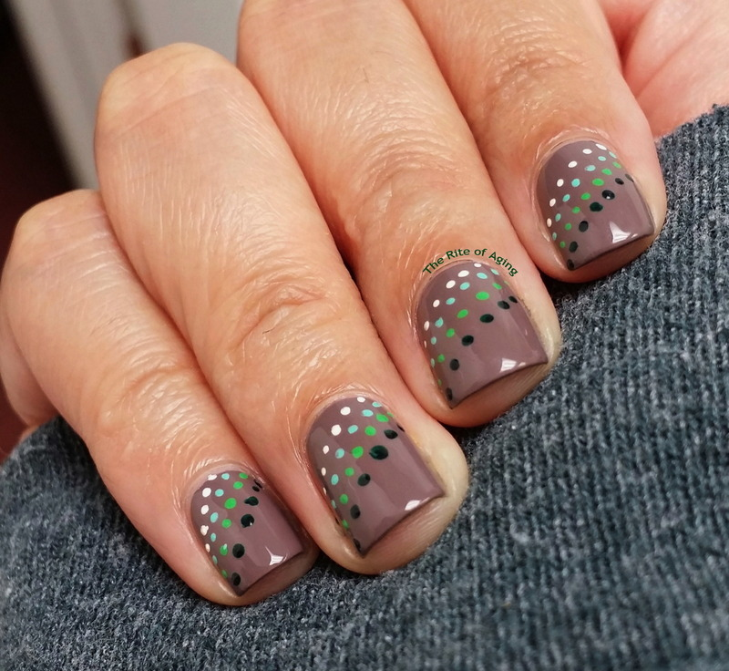 Green Gradient Dotticure nail art by Monica