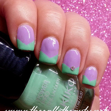 Nail 20art 20of 20the 20day 20  20v shape 20lilac 20and 20mint 20 32  20wm thumb370f