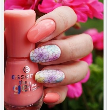 Flower power nail art by Cranberry Fairy