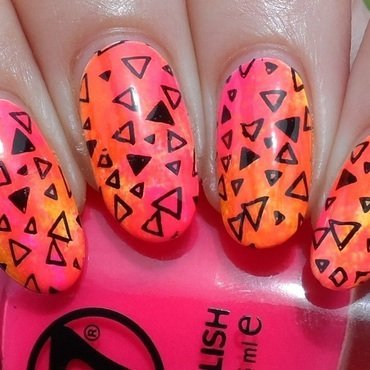 Abstraktes Muster nail art by Plenty of Colors