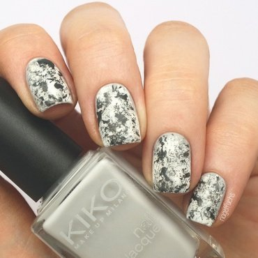 Messy Stone Marble nail art by nagelfuchs
