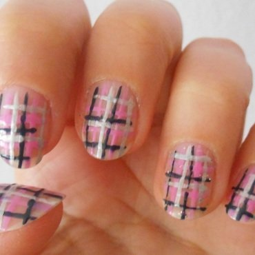 Plaid nail art by Brankica