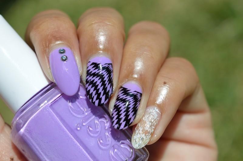 Damier / Checkerboard nail art by MimieS Nail