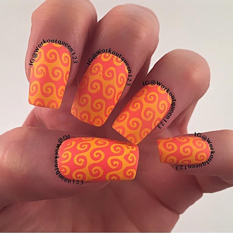 Swirls nail art by Workoutqueen123