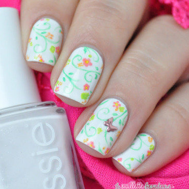 butterfly in the garden nail art by nathalie lapaillettefrondeuse