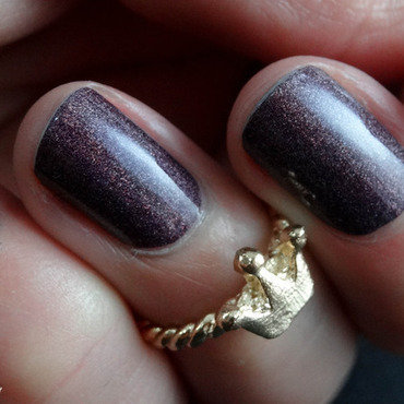 A England Sleeping Palace Swatch by Virginie