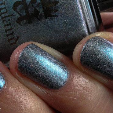 A England Captive Goddess Swatch by Virginie